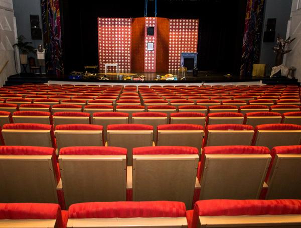 teater1-600-256-72-dpi
